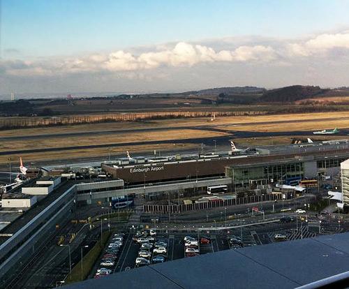 נמל התעופה הבינלאומי של אדינבורו (Edinburgh).